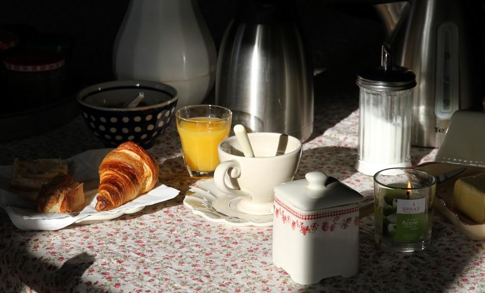 Le petit déjeuner compris avec nos chambres