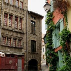 Une place medievale